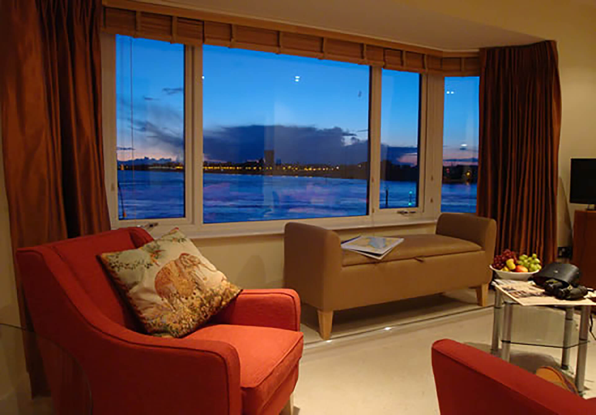 Battery House Portsmouth Lounge at Twilight - TravelRest Hotels