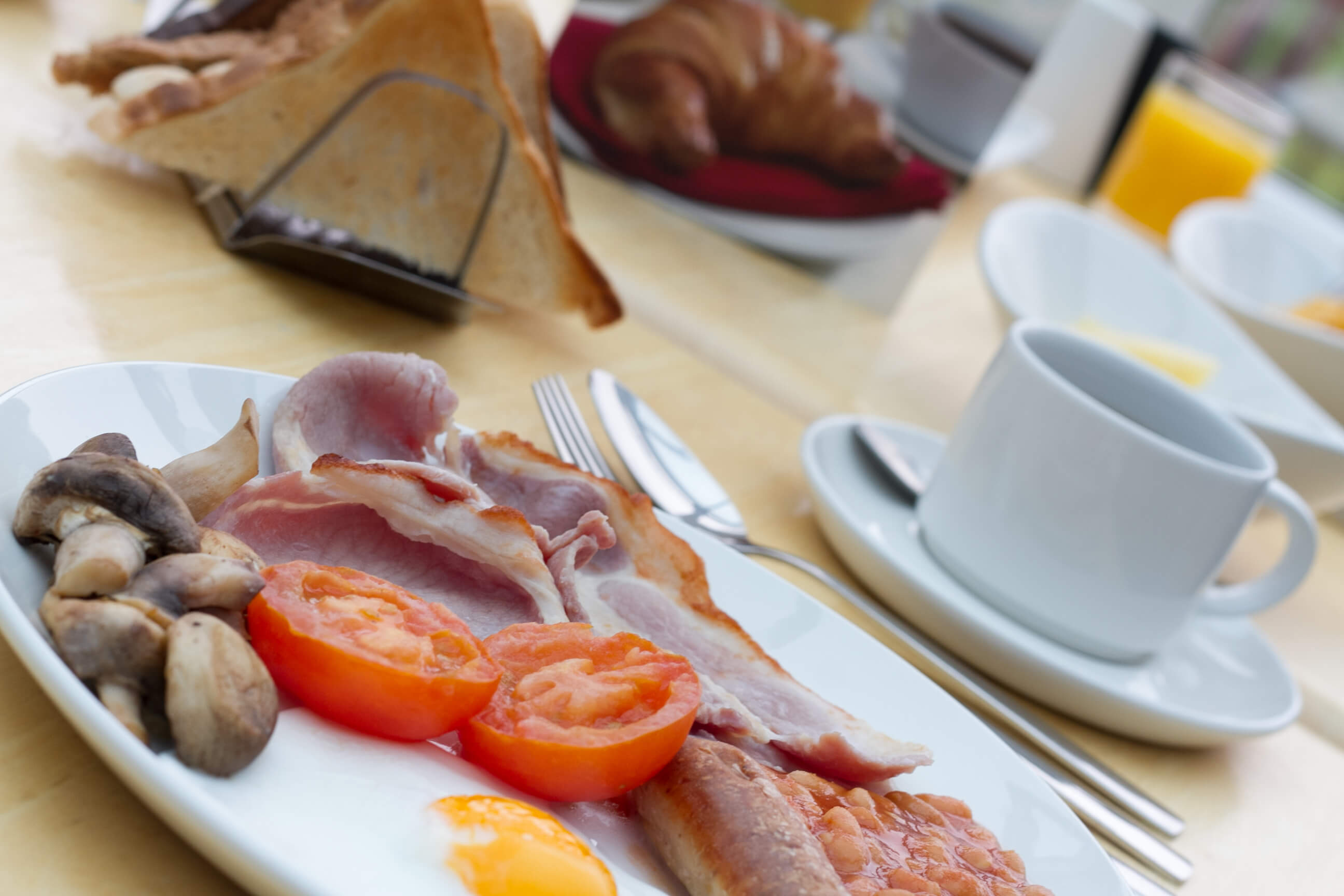 Fareham Full English Breakfast - TraveRest Hotels